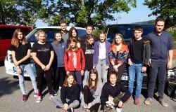 Team mit Autos